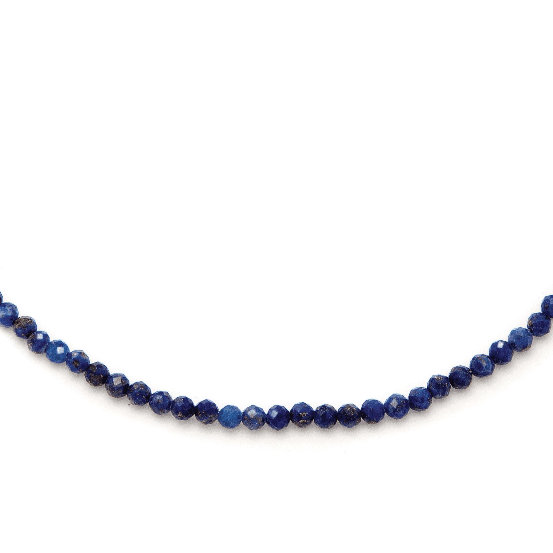 Naszyjnik z lapis lazuli na jasnym tle
