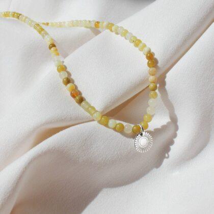 Żółty naszyjnik z opali naturalnych ze srebrną zawieszką i personalizowanym grawerem