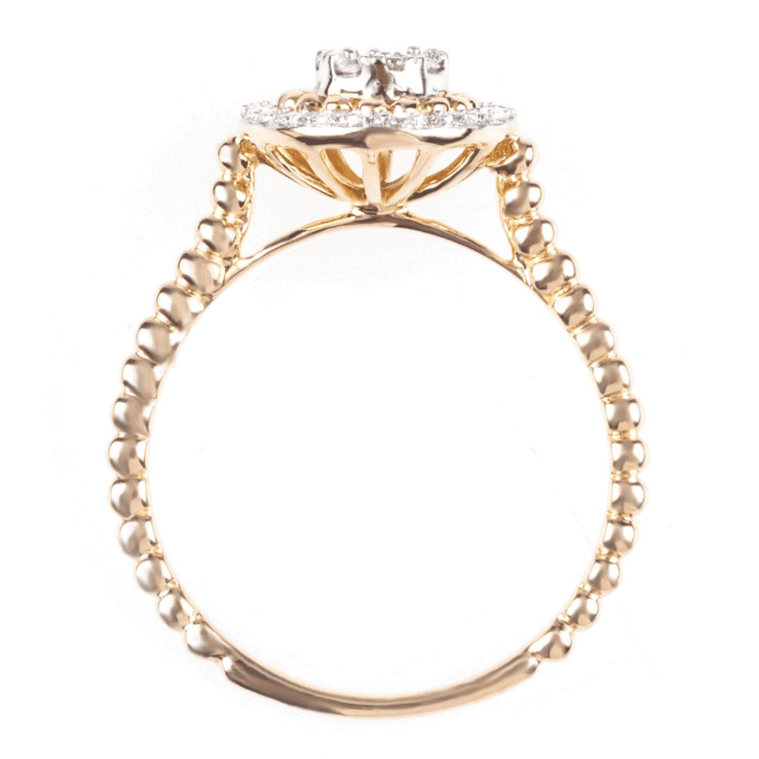 Pierścionek z żółtego złota z diamentami.