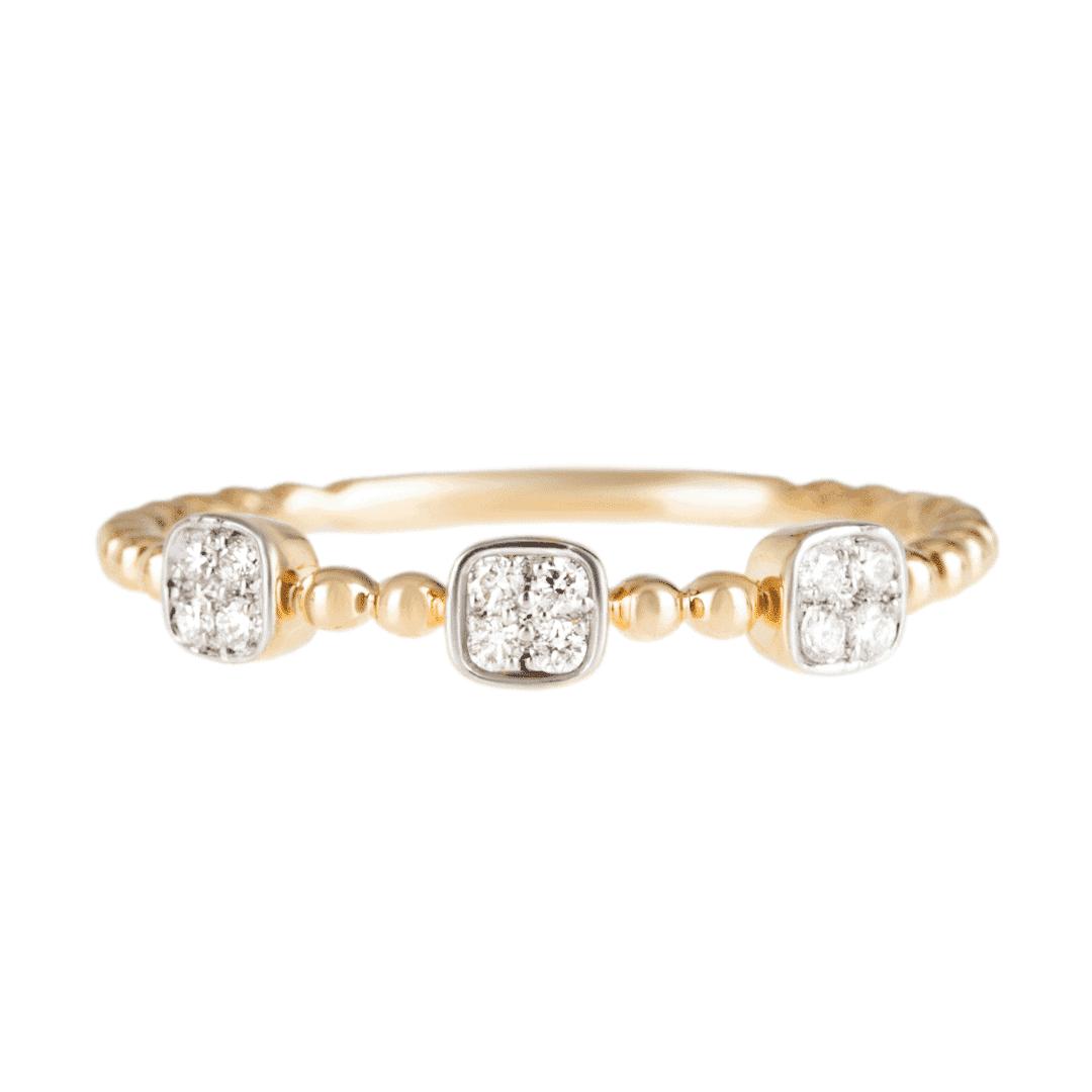 Złoty pierścionek z diamentami w filigranowej oprawie