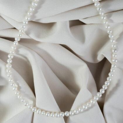 Naszyjnik z dużych pereł